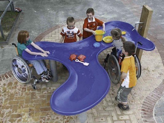 joacă copiii cu dizabilități 03